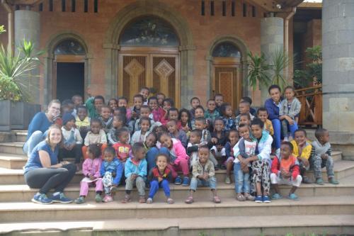 Der gesamte Kindergarten